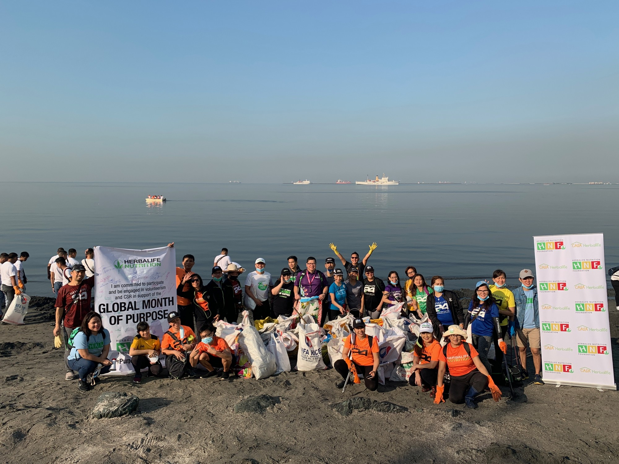 Herbalife Manila Bay clean-up drive.